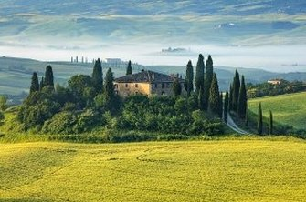 The Tuscan countryside - just one of the aspects of life in Tuscany that expats wax lyrical about